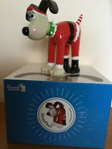 """Gromit Unleashed Official 'Santa Paws"""" Figurine - New!"""