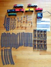 Model Power Train Set - 2 Powered Locomotives & 5 Cars HO Scale