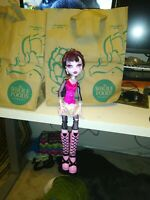 17 in Monster High Doll Draculaura Used