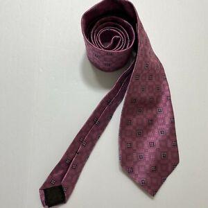Brooks Brothers  Makers USA Italian 100 % Silk Pink Floral Pattern Heavy Silk