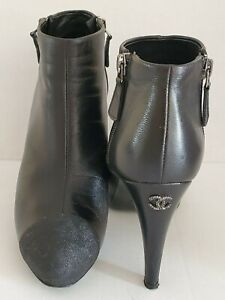 AUTH. CHANEL BLACK LEATHER ANKLE BOOTS BOOTIES  CC LOGO HIGH HEELS 38/US7