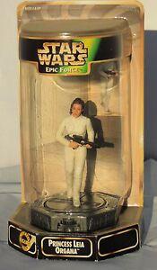 Figurine Star Wars LEIA ORGANA.. Epic Force socle rotatif. KENNER 1998. NEUF