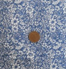 DELPH BLUE WITH A DESIGN OF WHITE FLOWERS - 100% COTTON FABRIC FQ'S