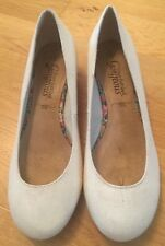 "NEW LOOK ""your feet look Gorgeous"" cream canvas wedge shoes. UK 4 EU 37"