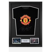 Framed Ryan Giggs Signed Manchester United T-Shirt - Black Autograph