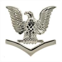 ORIGINAL U.S. NAVY CAP DEVICE: E4 PETTY OFFICER THIRD CLASS - SILVER