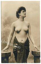 SHAPELY NUDE WOMAN / NACKTE FRAU m SCHÖNEM KÖRPER Aktfoto * Vintage 10s Photo PC