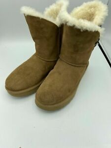 UGG Australia Constantine Women's Boots Size 11 Chestnut 1018629 New With DEFECT