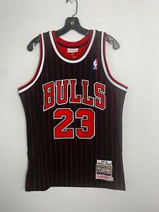Mens Mitchell &Ness NBA Chicago Bulls Michael Jordan Pinstripe Vintage (M)