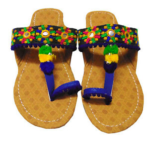 EMBROIDERED SHOES,INDIAN FOOTWEAR,FLIPFLOP,SLIPPER,PUMPS,MULS,ETHNIC SHOES,THONG