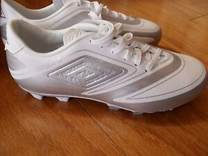 Women's Soccer Cleats Size 6 and 7*Umbro Velorum FG* Silver/White, BRAND NEW