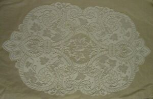 "New! Heritage Lace  ""English Ivy""  White Placemats 14"" x 22"""