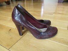 Smart CLARKS CUSHION SOFT Ladies Court Shoes / WINE / size UK 4.5 - EUR 37.5