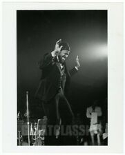 MARVIN GAYE 1975 ON STAGE IN CONCERT VINTAGE ORIGINAL PHOTOGRAPH