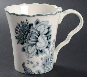 222 Fifth Gabrielle Grey Mug 9497962
