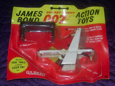 JAMES BOND 007  GILBERT  LASER RAY AND POOL TABLE  1965  CARDED  GOLDFINGER