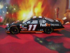 Car 1:64 Diecast NASCAR MA Denny Hamlin Joe Gibbs Fed Ex 2007 Pit Stop Chevy
