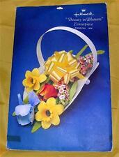 Vtg Hallmark 1970s May, Easter Basket W Flowers, Cardboard Centerpiece iop