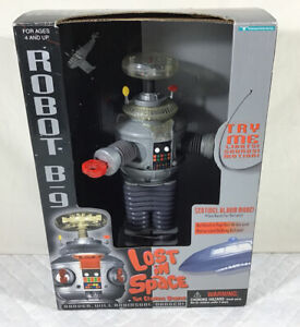 ROBOT B-9 - LOST IN SPACE Lights Sound Motion - Classic Series -New In Box 1997