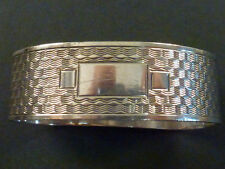 CHESTER SILVER KIDNEY SHAPE ENGINE TURNED NAPKIN RING, VACANT CARTOUCHE