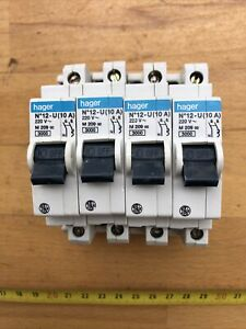 Lot de 4 disjoncteurs HAGER 10 A
