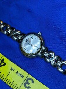 FOSSIL F2 ES 9047 SILVER tone bracelet ESTATE WATCH, NEW BATTERY A15