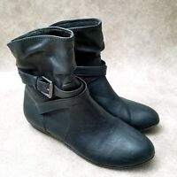 American Eagle Womens 162546 Sz 7.5 M Black Faux Leather Ankle Boot Booties Buck