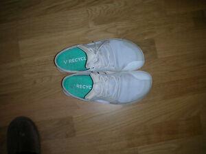 Vivobarefoot Patented Synthetik Barfußschuhe Sneaker weiß Gr. 40