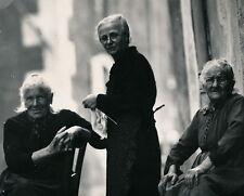 PONT SAINT ESPRIT c. 1950 - Vieilles Femmes dans la Rue Ardèche - DIV 3358