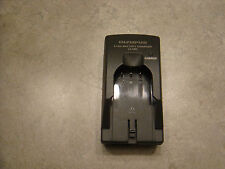 Original Olympus LI-10C Battery Charger for LI-12C LI-10B LI-12B C-470