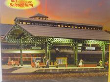 Vollmer 47530 Bahnsteighalle mit Beleuchtung
