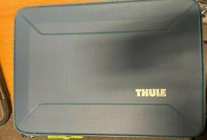"""Thule - Gauntlet 4.0 Sleeve for 15"""" Laptop Macbook pro Air Blue USED"""