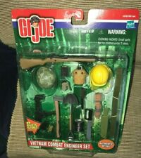New Vintage 2001 Hasbro GI Joe Vietnam Combat Engineer Accessory Set