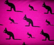 25 cm Jersey Schwarze Kängurus Auf Pink Magenta Kinderstoff