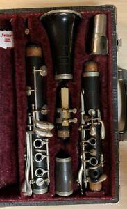 V. Kohler's and Sons Graslitz Wood Clarinet  Bb LP 260680 Made in Czechoslovakia