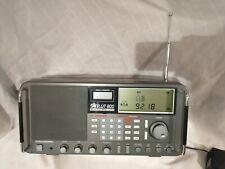 GRUNDIG SATELLIT  800 MILLENIUM AM/FM/SHORT WAVE RADIO