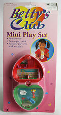 VERY RARE VINTAGE 90'S BETTYS CLUB CLUB PARADISE PLAYSET POLLY POCKET NEW MOSC !