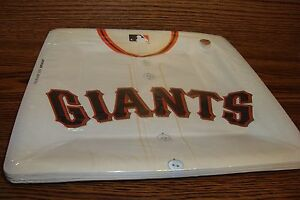 "MLB * SAN FRANCISCO GIANTS Baseball Party 10 1/2"" in Plates  #18 Count package"