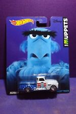 HOT WHEELS POP CULTURE MUPPETS '52 CHEVY TRUCK (SAM THE EAGLE) VG card.
