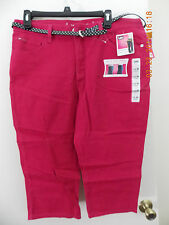 WOMENS LEE CAPRI JEANS WITH BELT. NEW WITH TAGS. 14 MEDIUM.  TUBEROSE  COLOR.