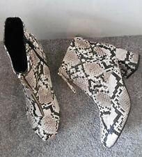 Miss Selfridge Snake BELLE Zip Front Heeled Ankle Boots Size UK 8 EU 41 Wide Fit