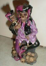 2002 Adams Apple Creation Fantasy Zombie Skull Jester on Tombstone Figure Statue