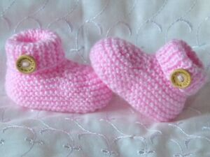 NEWBORN OR 0-3 MONTH BABY PINK HAND KNITTED CUFFED BUTTON SHOES SOCKS BOOTIES