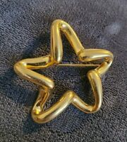 Vintage Lady Remington 1960s large goldtone star Stamped LR Brooch pin