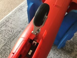 Freewing RED ARROWS HAWK 70mm BAE EDF RC Jet Nose Gear Support Red, Front Wheel