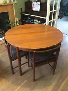 1975 Macintosh dining table with 4 chairs