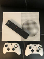 xbox one s, 500gb, used, great condition, 2 Controllers, Remote