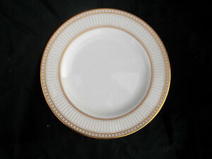 Wedgwood COLONNADE Gold. W 4339 Dinner Plate. Diameter 10½ inches.