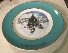 Avon Plate Wedgwood Christmas Plate Series 1978 'Trimming the Tree
