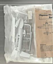 FLUGZEUG-MODELLBAUKASTEN  TURBOLET L410  1/72 bagged